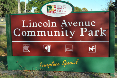 Lincoln Avenue Community Park Sign